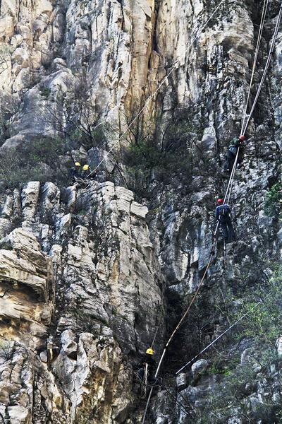 悬崖施工2